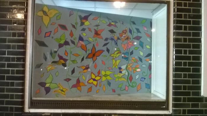 Many thanks to Dave Thomas and TfL, Transport for London for permitting the use of empty space for the children of Windermere Road and emerging art over the underground. Diamonds & Butterflies mural design, led by Isabella Wesoly at MaKing Murals in West London